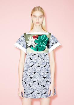 Leaf pattern dress